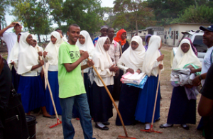 Alumni working together at a school in Zanzibar.